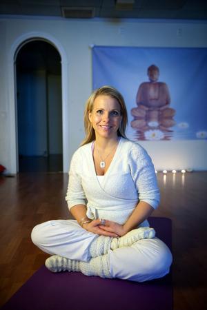 Andlighet är en viktig  del i Sofia Norgrens liv.  I sitt företag erbjuder Sofia tjänster  som yoga och meditation. Hon arbetar också som medium.