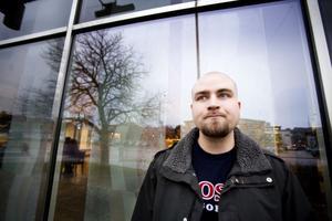I går skrev Andreas Degermo in sig på arbetsförmedlingen under sin första dag som arbetslös. Men han hoppas kunna fixa ett nytt jobb ganska snart.