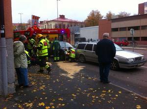 Tre bilar krockade på fredagseftermiddagen i korsningen Staketgatan-Norra Kopparslagargatan.