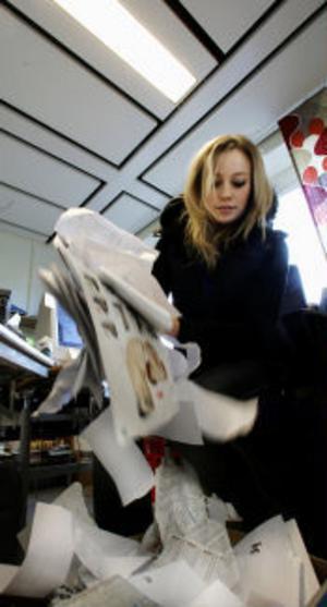Papper, papper, papper. Returpapperskorgarna på kontoren har de senaste 15 åren fyllts i en allt hastigare takt.