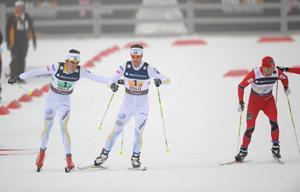 Johan Olsson och Anders Södergren under stafetten i Oslo 2011. Under lördagen kör båda åkarna Bruksvallarna Nordic Ski Marathon.
