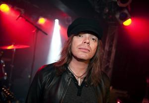 Nicke Andersson, sångare i Imperial State Electric som är en av huvudakterna på Hoforsrocken i morgon.