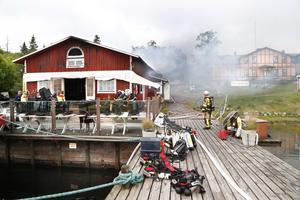 Så här såg det ut på morgonen den 24 juni då den populära skärgårdskrogen totalförstördes i en brand.