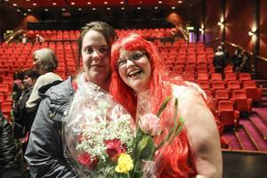 Elin Nordin och Mia Persson efter föreställningen