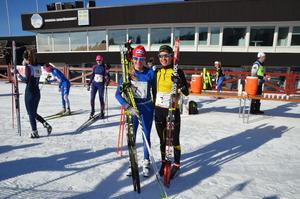 Wilma Björkman och Tilda Östberg, vinnare i D16 klassen under Lilla Skidspelen på Lugnet