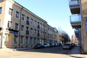 Tidningshuset är tidstypiskt för den sena 1800-talsbebyggelsen och endast försiktiga förändringar exteriört, till exempel balkonger, accepteras.