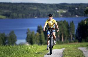 Cecilia Thomasson, som bor i Fugelsta på Annersia utanför Östersund och tävlar för Fältjägarnas IF, lägger elitsatsningen inom mountainbikeorientering på hyllan.