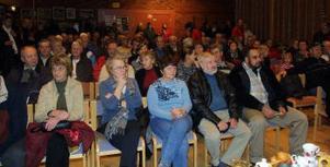 Det kom mycket folk på gårdagens auktion i Folkets hus i Kvissleby.