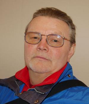 Nej. Morapartiets Ingvar Niilimaa säger att det finns ett motstånd mot att ta flyktingar till Mora både från partikamraterna.