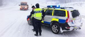 Det är just nu stora problem i trafiken på E4 i Hälsingland.