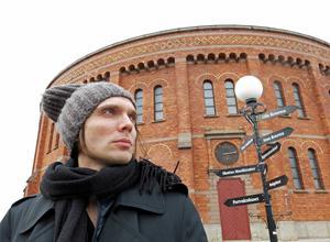 Oskar Humlebo har tillägnat mycket tid de senaste månaderna i Gasklockorna för arbetet med musiken till Folkteatern Gävleborgs uppsättning av Faust.
