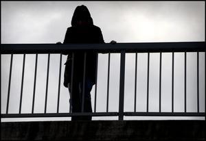 Självmord ökar bland unga i Sverige idag. Det vill debattören ändra på.