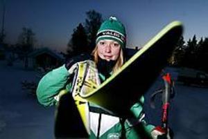 Emilia Struyk, 13,  laddar inför tremilsloppet, Kortvasan. Om drygt en månad är det dags. Foto: LEIF JÄDERBERG