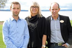 Några av flera deltagare under turistseminariet i Rättvik under torsdagen, näringslivschef Markus Svensson, internationell säljare, Region Dalarna Elisabeth Asp Christiansson och Rättviks turistförenings ordförande Ebbe Evbjer.