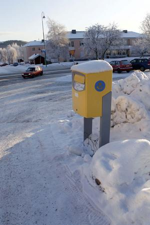 Tjugo meter längre ner, vid infarten till den gamla Konsumparkeringen, kommer postlådan i Järvsö att få sin nya placering.