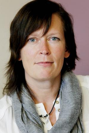 Kristina Hellström, rektor på Bispgårdens Tekniska College menar att flytten är för att förbättra arbetsmiljön skolan eftersom lektionssalarna är för små för vissa större klasser.