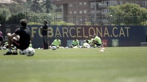 Solen skiner på Barcelona, i dubbel bemärkelse. Klubben hade öppen träning och mediadag inför finalen på lördag.