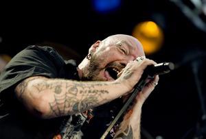 Paul Di'Anno, Iron Maidens första sångare, gav full hals i Rockklassikertältet.