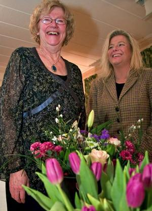 Går och kommer. Eivor Sterner avtackades med blommor efter att ha varit företagarnas ordförande sedan mitten av 80-talet. Ny ordförande blir nu Marie Aalhuizen.