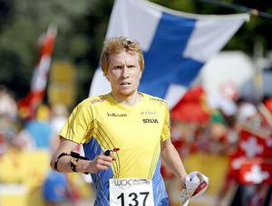Jerker Lysell fick en rivstart på årets världscup med en pallplats på medeldistansen.