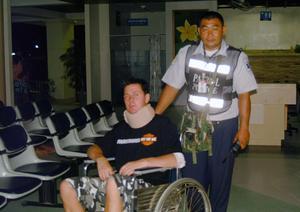 Jonas Wåglund överlevde en svår trafikolycka i Thailand natten mot söndag. Men det är inte första gången han är med om olyckor. Han har i sitt liv både blivit kidnappad, knivhuggen och ramlat ner från ett tak.