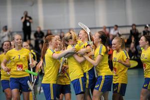 Isabella Ström och hennes Sverige vann guld i U19-VM. Sverige slog Finland i finalen med 6–4.