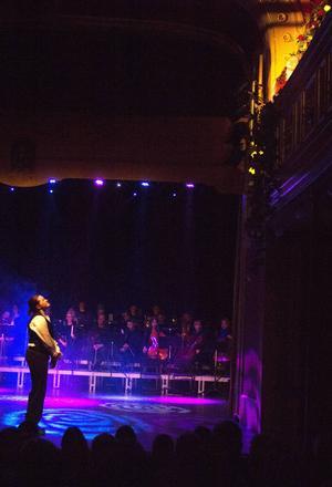 Romeo trånar efter sin Julia i den berömda balkongscenen.