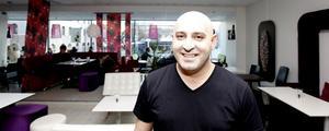 BÄTTRE TIDER. Fatin Cetinkaya, som driver Coffee Lounge i Flanörgallerian, tror att den ökade försäljningen till stor del beror på att många i större utsträckning vill äta lättare luncher som sallad.