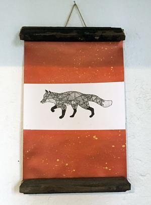 Rävar är ett återkommande motiv i Simones tecknande. Foto: Moa Lindstedt