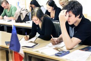 Full koncentration gäller när matematik ska räknas. Under Mattecentrums kvällslektioner får eleverna jobba ostört med frivilliga mattesnillen som lärare.