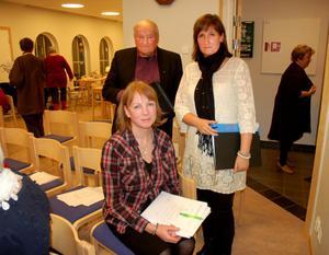 Eva Lena Ekblom, Anna Hed och Jaakko Mattila då kyrkofullmäktige sammanträdde i Våmhus i torsdags kväll. De har avsagt sig flera kyrkopolitiska uppdrag.