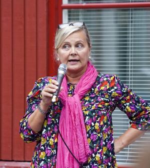 NÖJD REKTOR. Det var en glad och stolt Ulla Hägglund som talade till eleverna på tisdagen.
