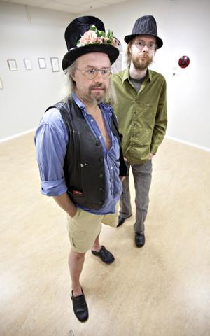 Jodå, de lustiga hattarna på Åskar Flood och Tobias Wassberg är på plats.