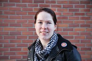 Lina Björklund är en av arrangörerna av en stor barnloppis i mars. En del av intäkterna ska gå till de papperslösa flyktingbarnen som föds på BB i Hudiksvall.