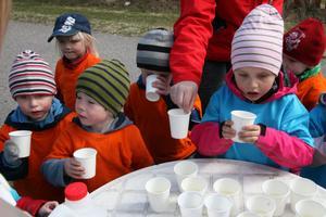 Det smakade förstås bra med en paus och vätska innan det bar av tillbaka till Nordanängs förskola.