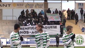 VSK-fansen protesterade mot Benfica.