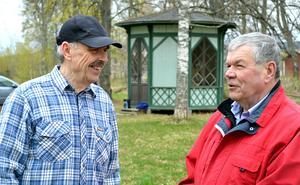 Stig Hermansson och Ulf Malmgren laddar för nationaldagsfirandet på Rommehed. Det blir en heldag för hela familjen.