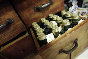 Saft, sylt och marmelad är bara några av alla produkter som förädlas på gården utanför Lit.