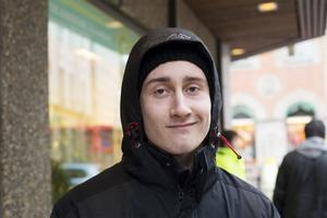 Robert Östberg, Härnösand:– Ja. Jag och några kompisar ska åka till Vallbo i Jämtland och fira nyår. Det ska bli kul.