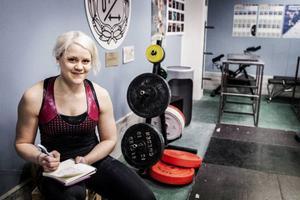 Paula skriver noga träningsdagbok.– Om det blir pers då blir det en smiley, säger Paula Junhov-Rindberg.