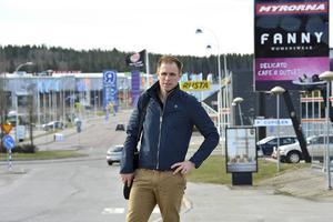 Mattias Berglund är näringslivskoordinator som skapat kontakten mellan företag och ungdomar.