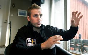 – I sista stund fick jag ett startnummer i Vasaloppet, trots att jag bara åkt sex kilometer skidor tidigare i vinter. Men långa träningspass är precis vad vi behöver, säger Thomas Eriksson.