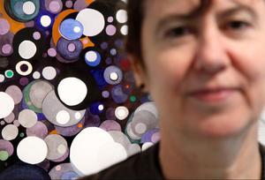 Magdolna Szabós styrka och intresse kring det rumsliga syns i formen, enligt Linda Petersson.