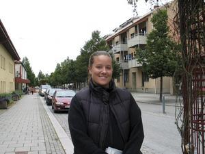 Christine Karlsson och hennes familj söker efter ett hus på landet.