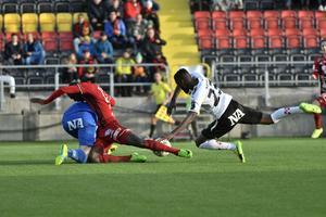 Både Oscar Jansson och Ken Sema blev liggande efter situationen samtidigt som Johan Bertilsson kunde slå in 3–0 till Östersund.