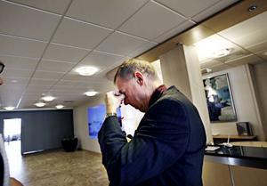 Sandviks informationsdirektör, Anders Wallin, deltog i både presskonferenser och informationsmöten med personalen på Sandvik Tooling i går.