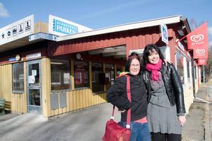 Arrangörerna Milla Cederholm och Mia Hertz hoppas att det ska bli ett återkommande evenemang i Bergeforsparken.