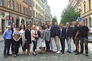 Här är merparten av den nominerade, samt kommunalrådet Peder Björk och juryns ordförande Lotta Uvhage. Saknas på bilden gör Anders Sebring och Tord Budenberg.