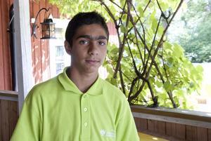 Mostafa Alkhafaji, 15 år, Hallstahammar:– Jag ska sälja godis, mackor och sådant, där det finns många människor. Till exempel när det är tivoli. Vattenmeloner också, jag köper dem billigt.