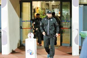 Alexander Axén dementerar ryktet om att mittbacken Alexander Michel är aktuell för ÖSK.
